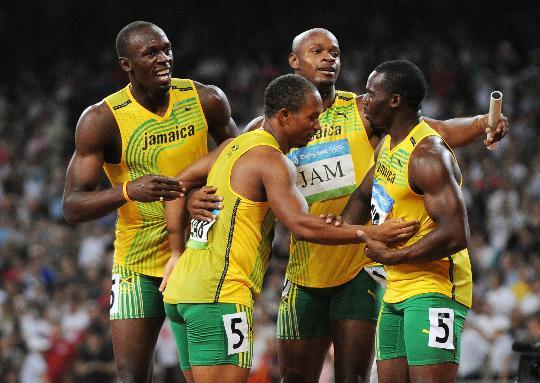 图文-男子4X100米接力牙买加队夺金 狂欢的一刻