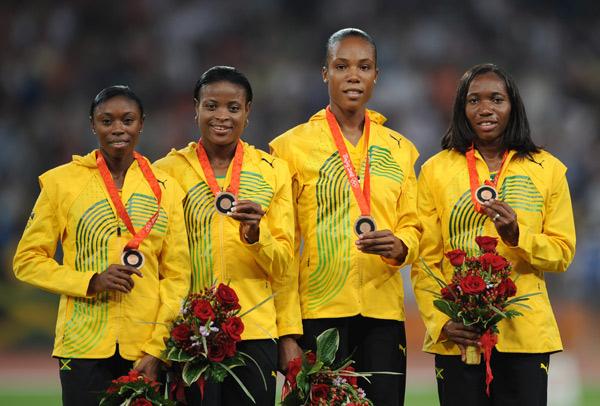 图文-[奥运]女子4x400米接力 牙买加队获得季军