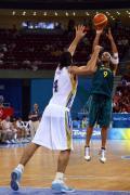 图文-[男篮]阿根廷85-68澳大利亚 斯科拉防守