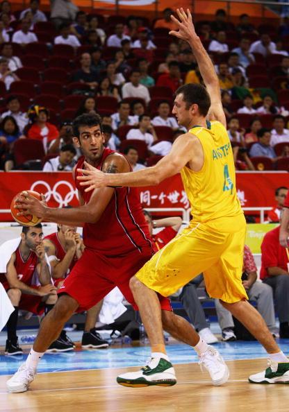 图文-[男篮]澳大利亚106-68伊朗 被逼无法出球