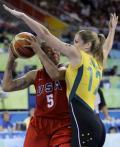图文-[女篮决赛]美国92-65澳大利亚 封住上篮空间