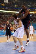 图文-北京奥运会男子篮球决赛 魔兽拉拽加索尔
