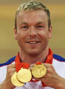 自行车男子争先赛上演英国德比战霍伊夺得金牌
