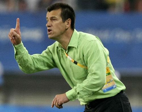 图文-男足巴西胜比利时摘铜 邓加强调一点
