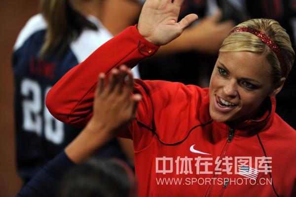 图文-[奥运垒球]美国8-0荷兰 美国选手庆祝胜利