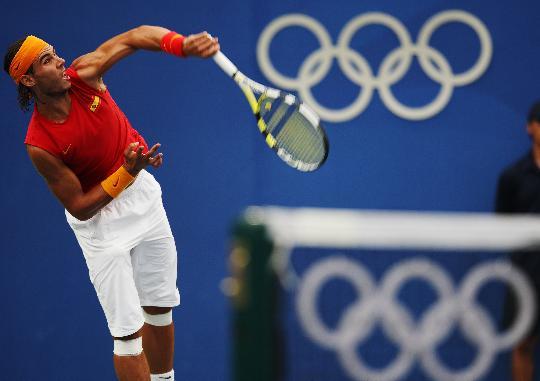 图文-纳达尔获网球男单冠军 刚正威猛气势逼人