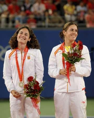 图文-网球女子双打决赛 鲁阿诺和梅迪纳开心的笑容