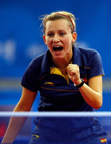 图文-14日奥运会乒乓球赛况 西班牙队员庆祝得分