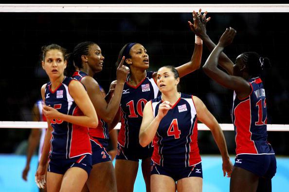 图文-女排半决赛美国3-0古巴 美国姑娘众志成城