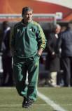主教练佩雷拉巡视球员