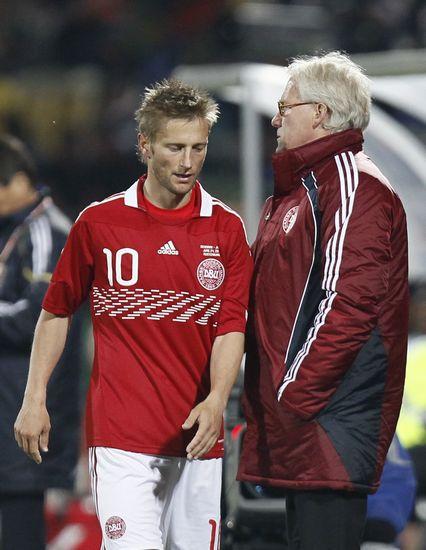 图文-[小组赛]丹麦1-3日本约根森被换下