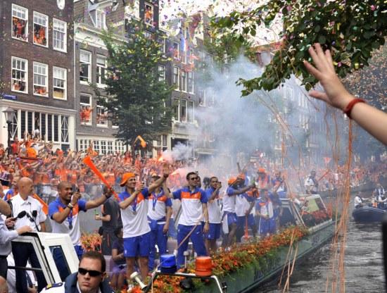图文-橙色荷兰运河大游行得到你们的祝福很开心