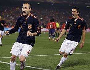 西班牙2-1智利 小组第一出线