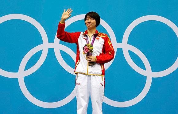 焦刘洋夺得女子200米蝶泳金牌