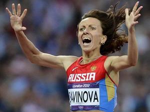 女子800米决赛萨维诺娃夺冠