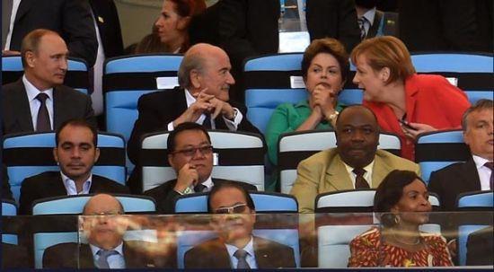 当地时间7月13日晚间,俄罗斯总统普京在里约热内卢观看了世界杯总决赛,并出席世界杯举办地交接仪式。(资料图)