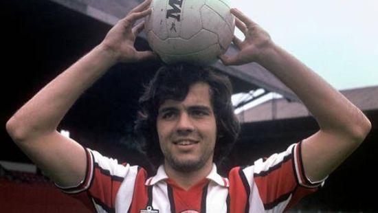 阿根廷主教练萨维利亚年轻时在英格兰踢球照片