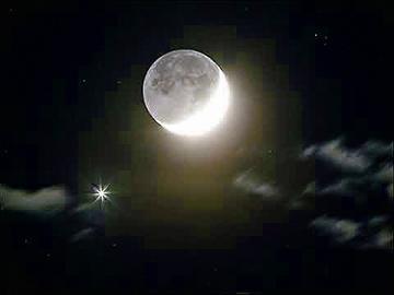 图为亮若小月亮的金星