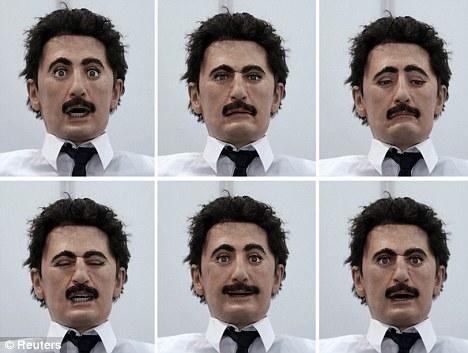 这款尚未命名的机器人可以模仿人类各种表情,比如惊讶、愤怒、悲伤和欢乐
