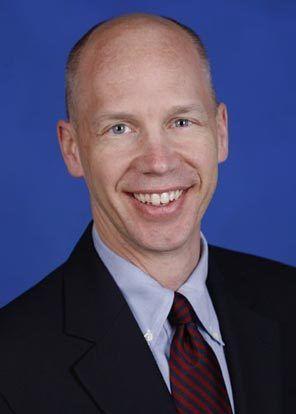 微软Office部门企业副总裁科克・尼斯鲍尔(Kirk Koenigsbauer)