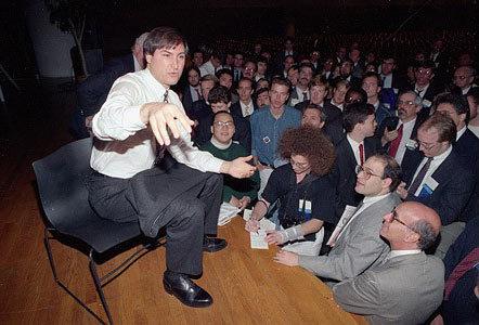 乔布斯在UNIX大展上与听众互动。