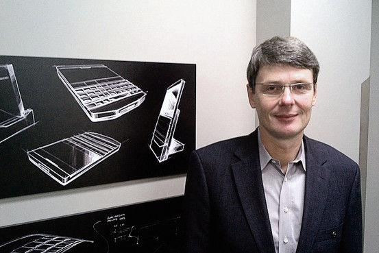 RIM CEO托斯騰·海因斯。這家困境中的手機廠商把希望寄托在即將推出的黑莓10上面。