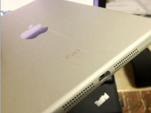 媒体曝光的Dock接口iPad mini谍照