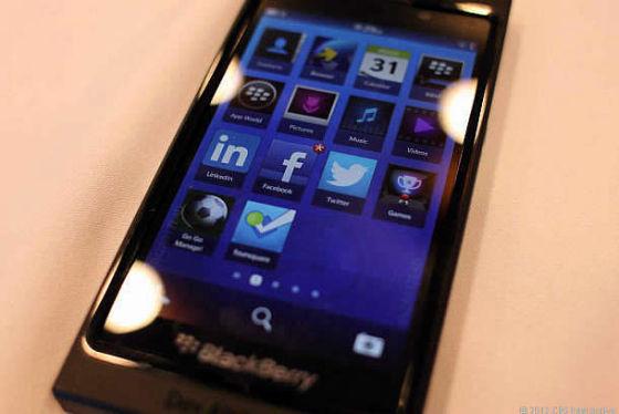 触摸屏版黑莓10手机