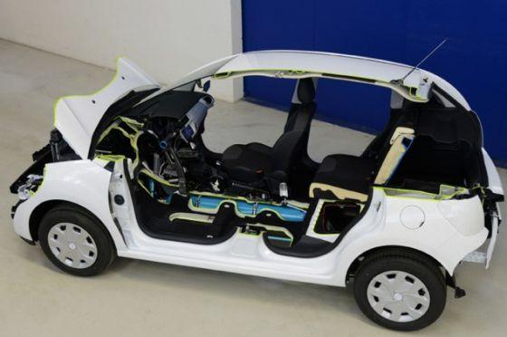 标致雪铁龙集团已经公开展示用压缩空气取代电流,充当汽油的配角的空气动力车