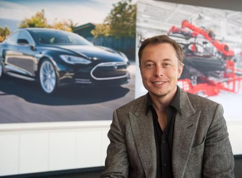 艾伦•穆斯克(Elon Musk)和他的电动汽车制造公司Tesla