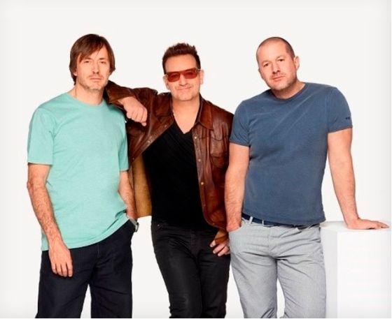 U2乐队主唱Bona与苹果公司首席设计师艾维