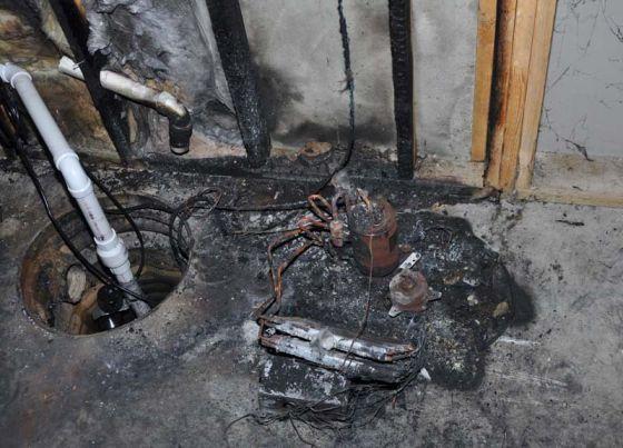 图为格力产品起火损毁的照片