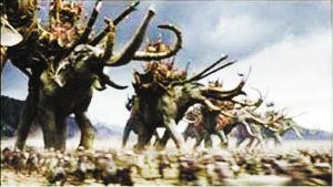 战象脚踏连营(剧照)。好莱坞电影从古代战史中找到了灵感
