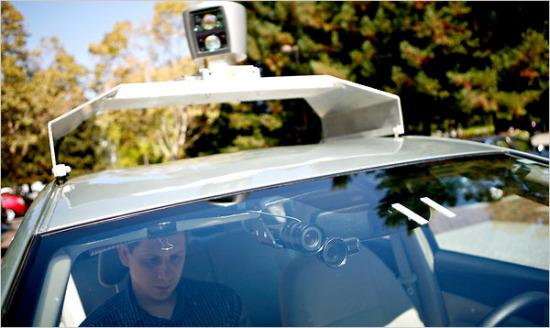 科技时代_谷歌宣布正开发自动驾驶汽车 已行驶14万英里