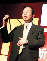 周伟�j正式功成身退IBM中国新掌门亮相