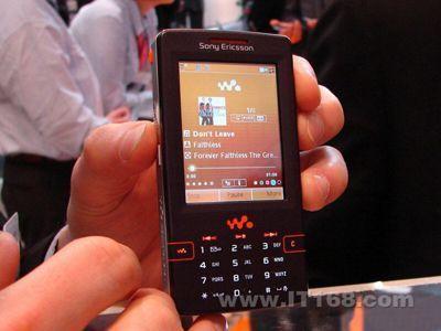 4G海量音乐索爱UIQ智能机W958c仅2680