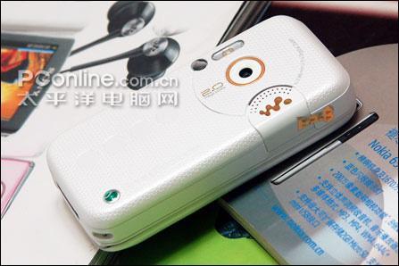音乐滑盖索尼爱立信W830c售价1780元