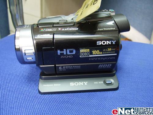 物超所值百G高清DV索尼SR8E售12488元