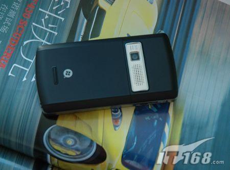 300万像素华硕GPS手机P750现身CeBIT