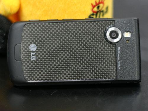 揭开谜底LG超薄拍照滑盖机KF755评测