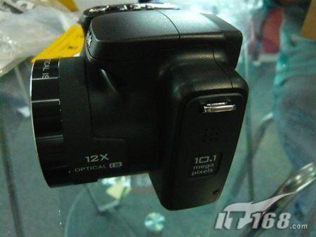 12倍长焦防抖柯达Z1012促销价2399元