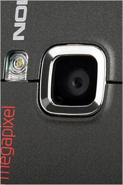 轻巧迷人造型诺基亚智能手机6122c评测(2)