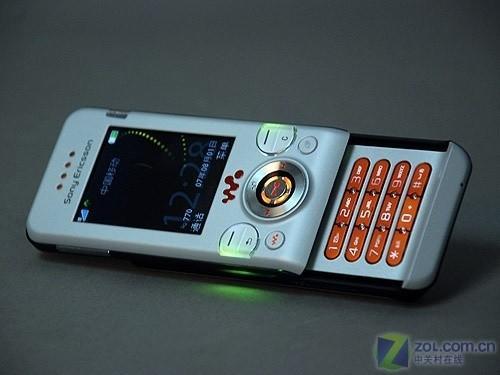 夏夜中的霓虹灯六款低价炫丽手机推荐