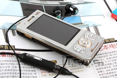 音乐颠覆季索爱3G滑盖机W715仅2159