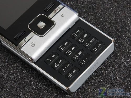 全新MicroSD扩展索尼爱立信T715评测