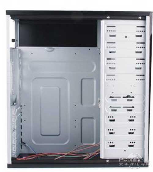 ATX/ATX主板,可安装加长以及特长显卡,并提供了3个光驱位、2个图片