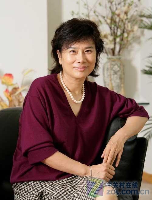 格力空调总裁董明珠女士-无氟 变频 2010年空调业在蜕变中疯狂图片 40084 500x658