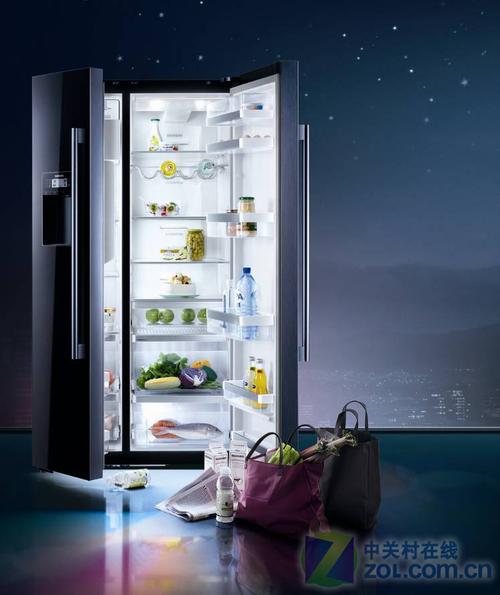 低调的奢华西门子黑熠双开门冰箱上市
