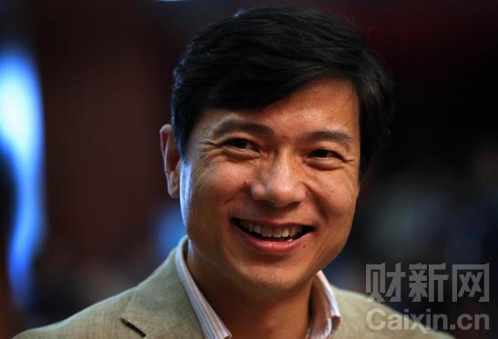 """2011年10月25日,北京,""""2011清华管理全球论坛""""在清华大学经济管理学院举行,百度公司创始人、董事长兼首席执行官李彦宏。 Zhou Wong/CFP"""