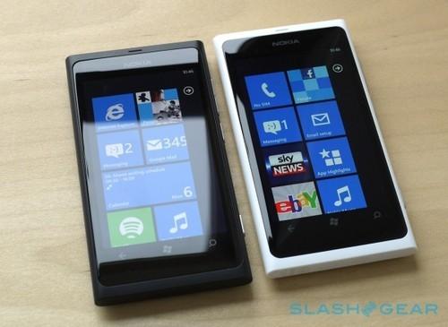 不能抵抗诱惑 白色诺基亚Lumia 800图赏